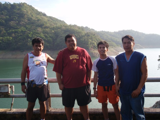 Our hosts, Edwin (second from left) and Joel (right). Once upon a time, i weighed nearly as much as Edwin's :-)