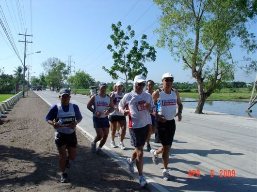 With Art Disini, Runnex Chairman on extreme right