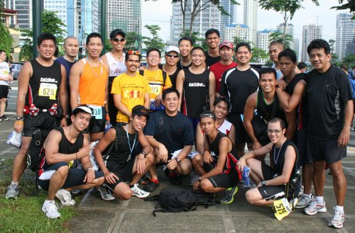 Group pic with the Takbo.ph runners