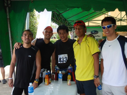 With Vince Mendoza (r) of Finishline
