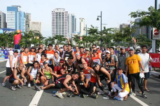 A group picture with the takbo.ph runners