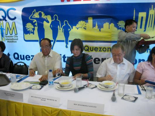 With Art Disini, Runnex Chair, Sen. Pia Cayetano & Mayor Sonny Belmonte