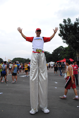 runner on stilts