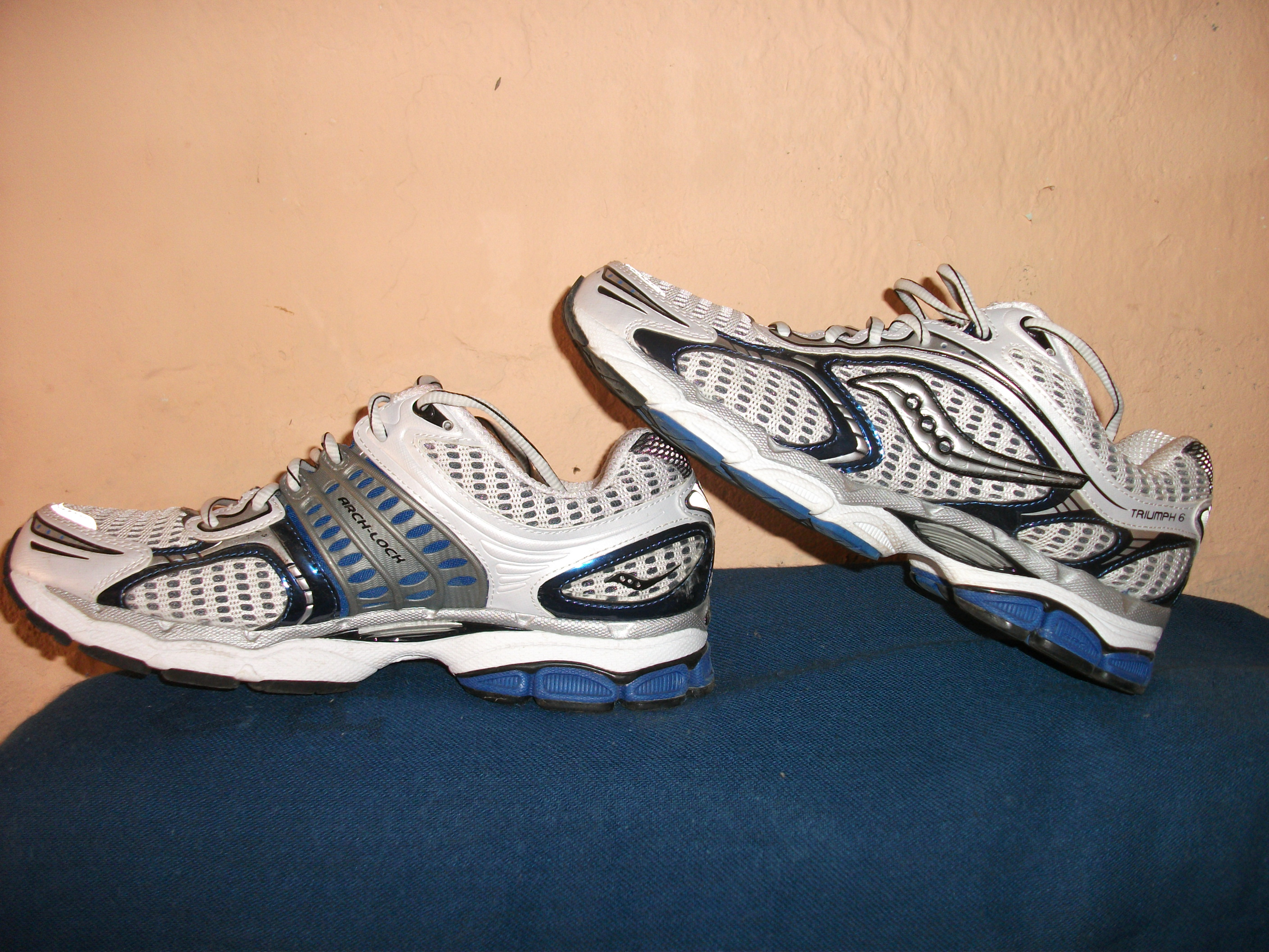 saucony triumph 6 running shoes